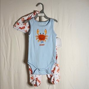 """""""Too cute to be crabby"""" outfit NWT"""